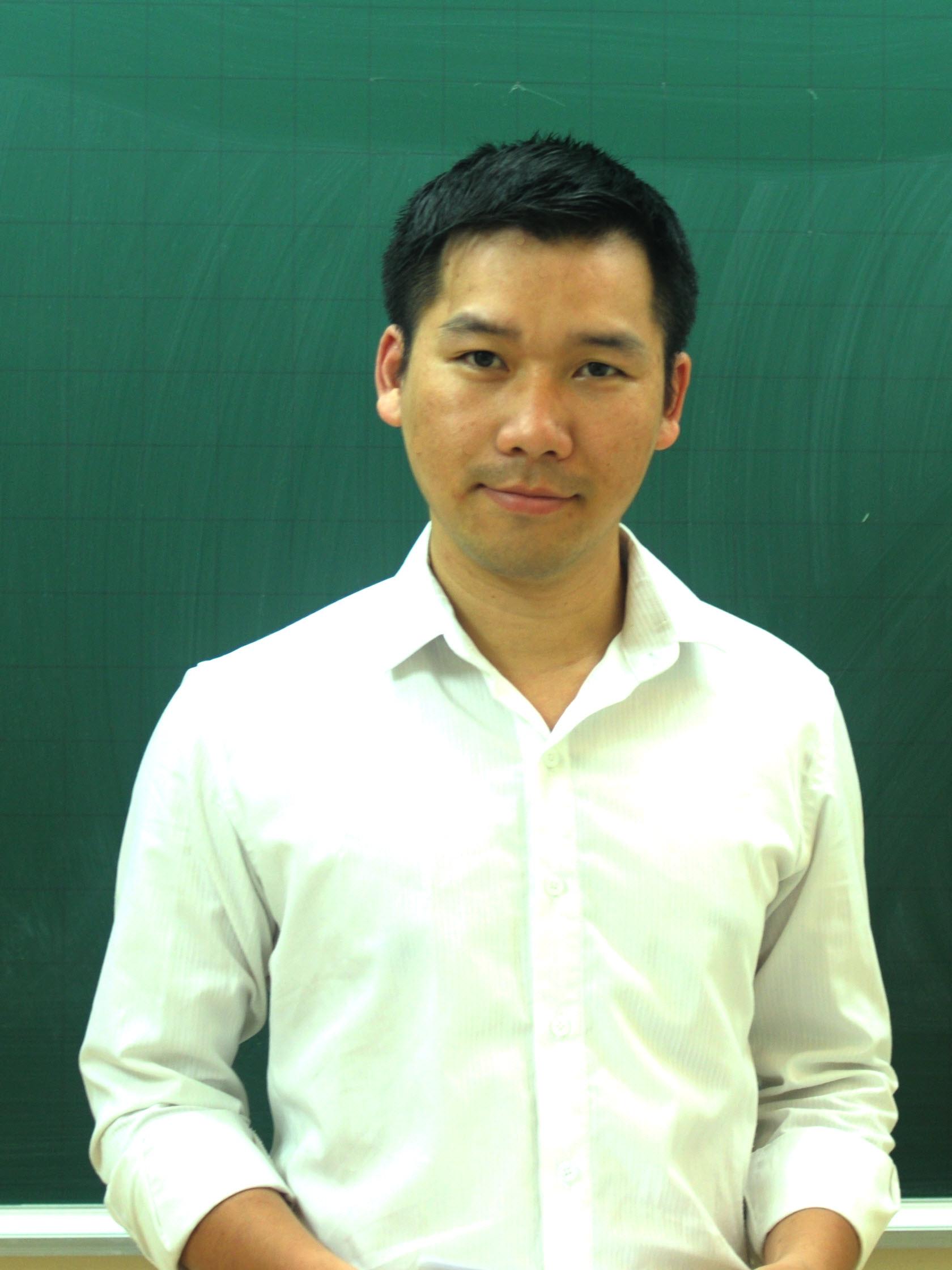Thầy: Nguyễn Phi Hùng, giáo viên dạy Ngữ văn