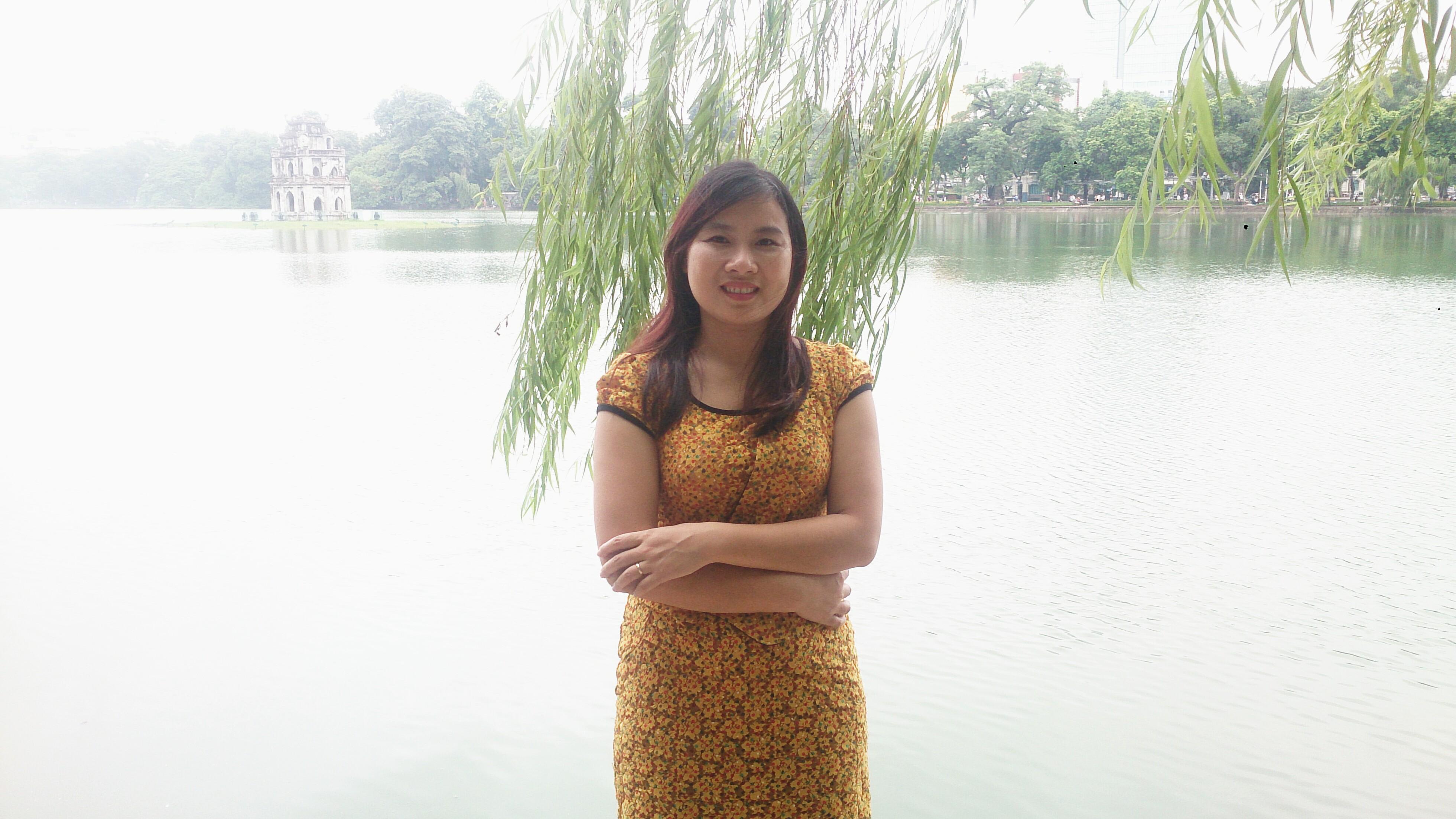 Cô: Trần Thị Hường, giáo viên dạy Hóa học